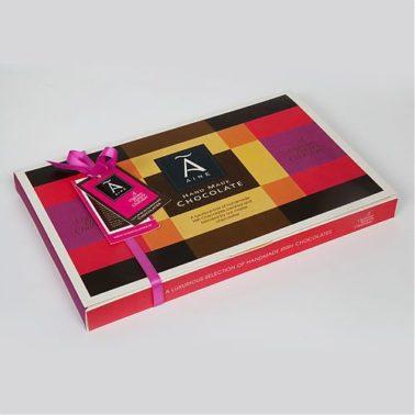 Aine 28 box